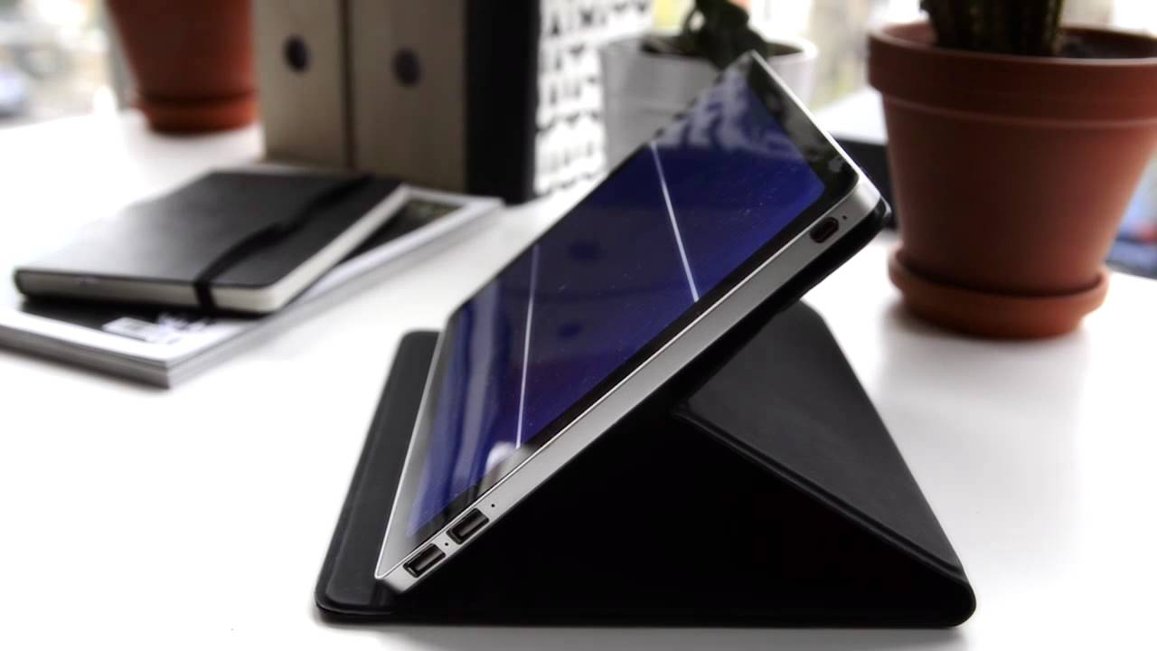 New Tablet-Sized Solar Charger is a Crowdfunding Hit