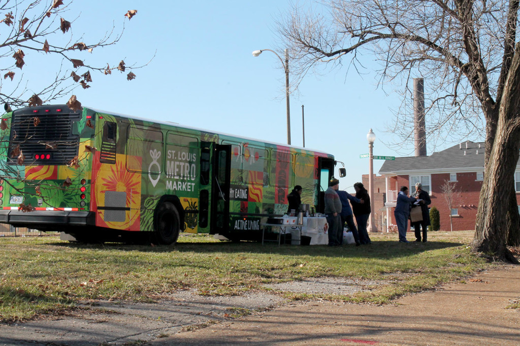Converted bus serves food deserts in St. Louis