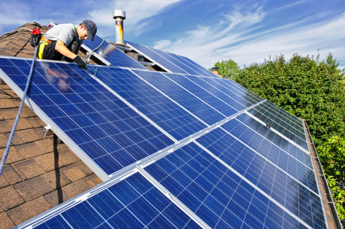 Switching with a Feed-in Tariff